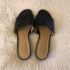 Naturalizer black sandal never worn size 9.5